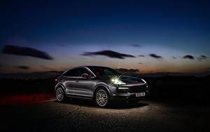 Фото Porsche Гибридный автомобиль Купе Металлик 2019-20 Cayenne E-Hybrid Coupe Автомобили