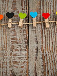 Фотографии День всех влюблённых Много Доски Сердца Прищепки
