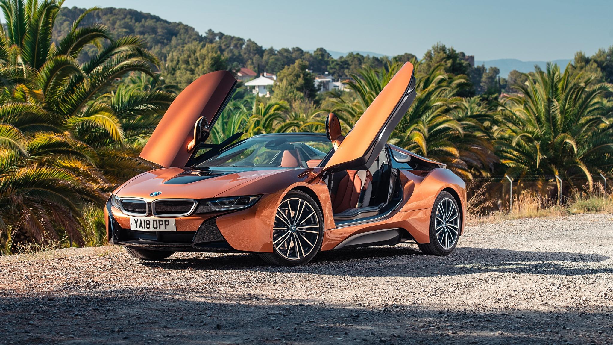 Картинка BMW 2018 i8 Родстер Оранжевый Автомобили 2048x1152 БМВ Авто Машины