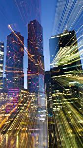 Картинки Москва Россия Дома Небоскребы Лучи света Города