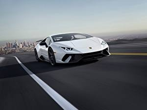 Картинки Lamborghini Едущая Белая 2018 CGI Performante Huracan