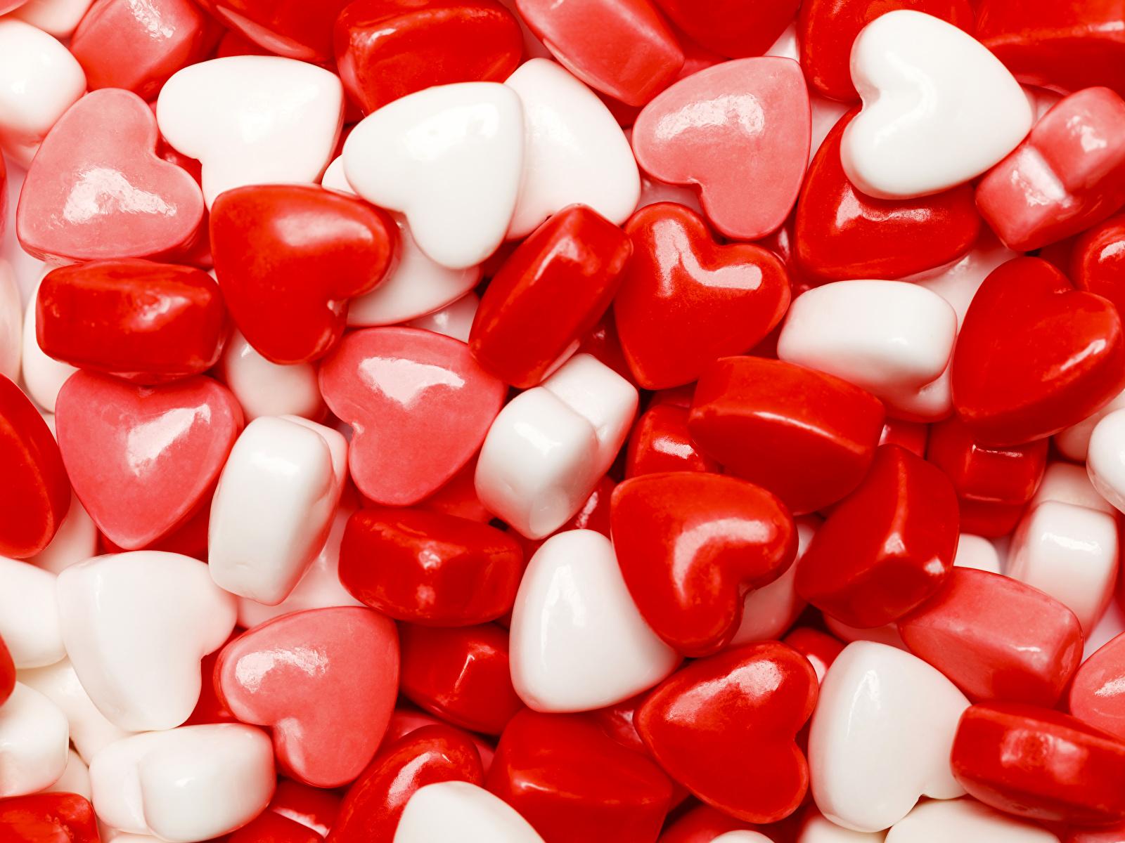 Картинка День святого Валентина сердца Леденцы Пища Сладости 1600x1200 День всех влюблённых серце Сердце сердечко Еда Продукты питания сладкая еда