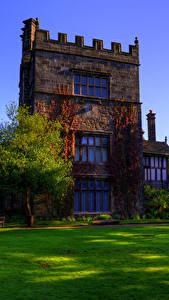 Картинки Англия Здания Дизайн Особняк Газон Деревья Turton Tower Города