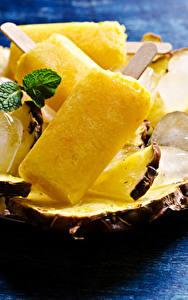 Фото Сладости Мороженое Ананасы Лед Желтых Еда