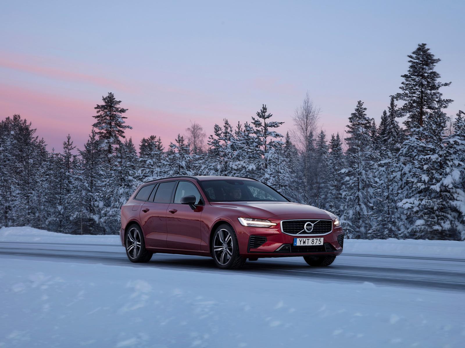 Картинки Вольво 2018-19 V60 T8 R-Design Worldwide бордовые авто Металлик 1600x1200 Volvo бордовая Бордовый темно красный машина машины автомобиль Автомобили
