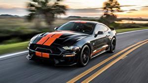 Картинки Форд Боке Едущий Черная Полосатый Mustang GT-S 2019 авто