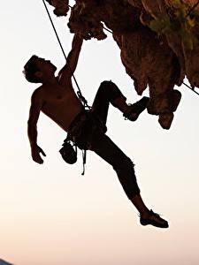 Картинки Мужчина Альпинизм Скала Альпинист Спорт