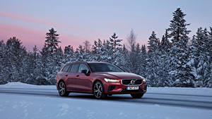 Картинки Вольво Бордовый Металлик 2018-19 V60 T8 R-Design Worldwide Автомобили