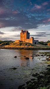 Обои для рабочего стола Замки Ирландия Заливы Dunguaire Castle, Galway Bay Природа