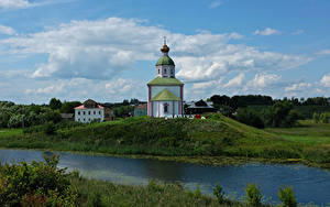 Обои для рабочего стола Россия Речка Церковь Холм Suzdal Vladimir Oblast город