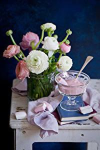 Фотографии Натюрморт Лютик Сладкая еда Книги Маршмэллоу цветок