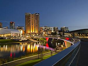 Картинки Австралия Дома Реки Мосты Ночные Adelaide Города