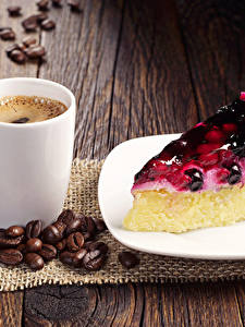 Фото Кофе Пирожное Пирог Доски Чашка Зерна Тарелка Кусок Еда