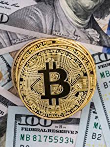 Обои Bitcoin Деньги Монеты Доллары