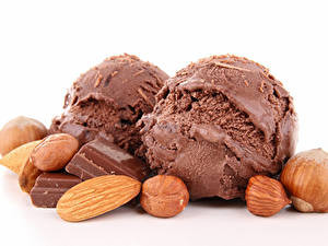 Фотография Сладости Мороженое Шоколад Орехи Фундук Шар Пища