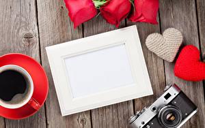 Фото День всех влюблённых Роза Кофе Доски Шаблон поздравительной открытки Сердца Фотоаппарат