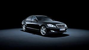 Фотография Mercedes-Benz Ретро Черная Металлик 2005-09 S 500 авто