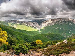 Картинки Италия Горы Небо Пейзаж Кусты Облака Canyon Gorropu Природа