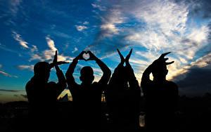 Картинка Любовь Небо Люди Силуэта