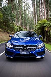 Фотография Мерседес бенц Купе Спереди Движение Синие AMG C-Class C205 авто