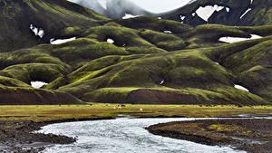 Обои Исландия Горы Мхом Ручей Природа