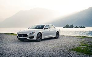 Фотографии Maserati Белый Металлик 2019 Quattroporte GTS GranSport автомобиль