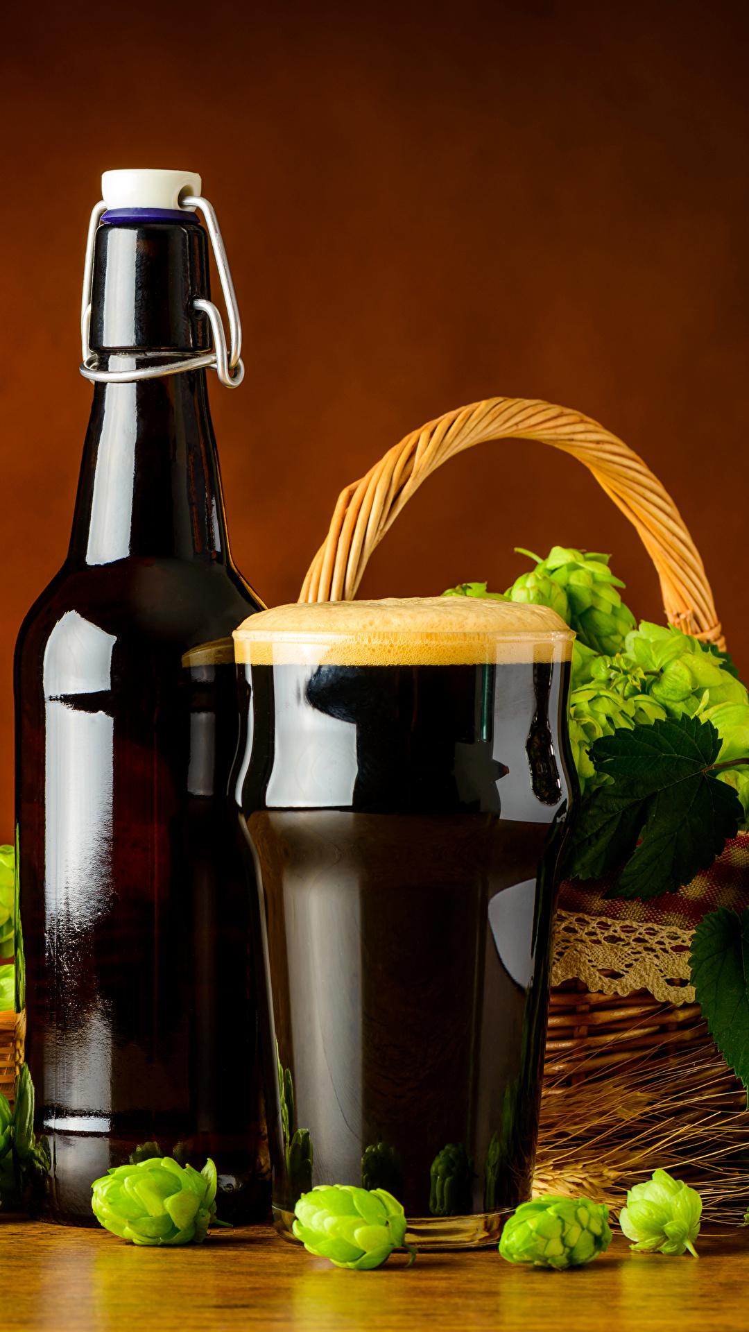 Картинки Пиво Хмель Стакан Пища Пена Бутылка 1080x1920 стакана стакане Еда пене пеной бутылки Продукты питания