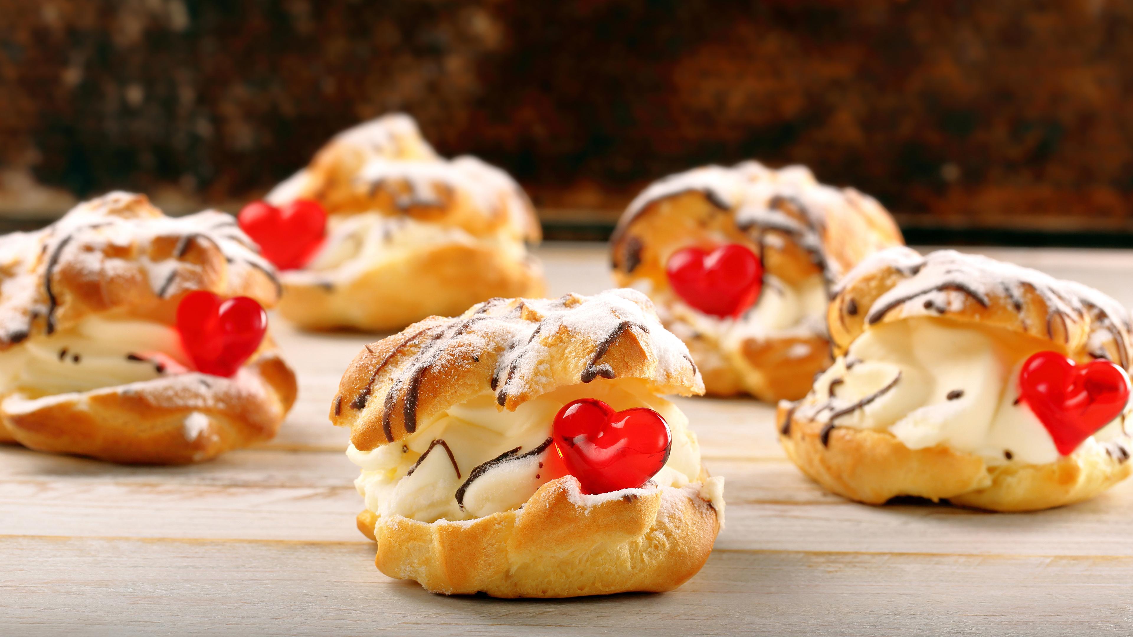 Картинки День святого Валентина сердца Продукты питания Пирожное сладкая еда 3840x2160 День всех влюблённых серце Сердце сердечко Еда Пища Сладости