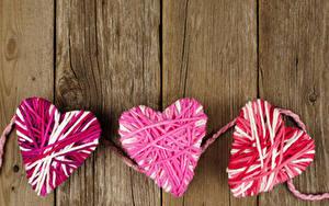 Фотографии День всех влюблённых Доски Втроем Сердечко