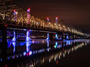 Фотография США Река Мост В ночи Уличные фонари Louisville Ohio River Города