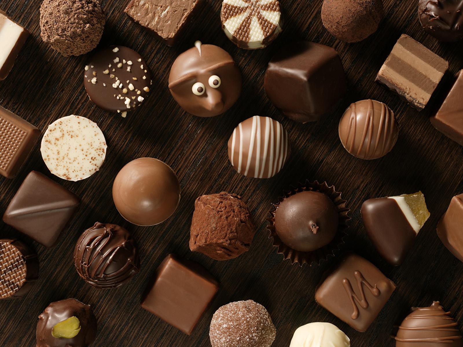 Картинка Шоколад Конфеты Пища Сладости 1600x1200 Еда Продукты питания