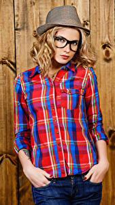 Обои Блондинка Рубашка Шляпа Очки Девушки