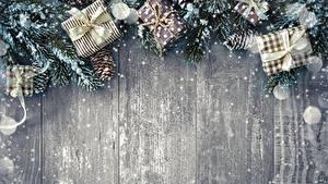 Фото Новый год Шаблон поздравительной открытки Подарки Доски Снежинки