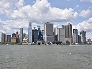 Обои для рабочего стола Небоскребы Катера США Залива Нью-Йорк Манхэттен город