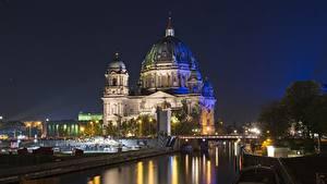 Картинки Берлин Германия Мосты Ночные Уличные фонари Купол Reichstag