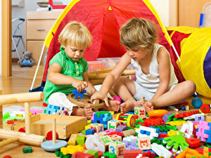 Фото Игрушки Мальчики Двое Ребёнок