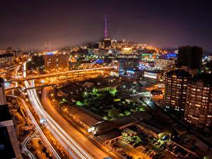 Фотография Россия Дома Дороги Ночь Уличные фонари Сверху Vladivostok город