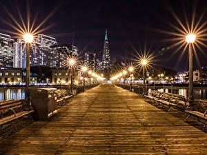Картинка Штаты Здания Мосты Сан-Франциско Ночь Уличные фонари Скамья город