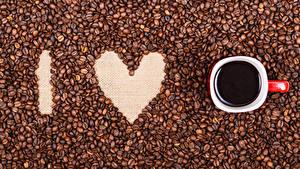 Фотографии День святого Валентина Кофе Сердце Чашка Зерна