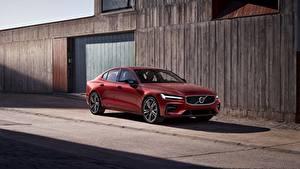 Фотография Volvo Красный S60 2018 авто