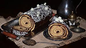 Картинка Сладкая еда Рулет Шоколад Ложки