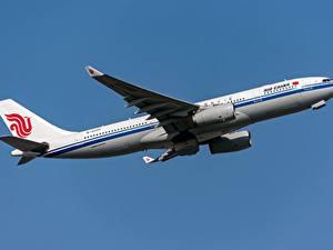 Фотография Самолеты Пассажирские Самолеты Эйрбас Сбоку Air China, A330-200