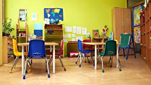 Картинка Интерьер Детская комната Стулья Стол