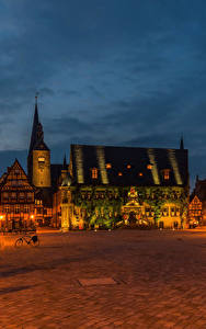 Фотографии Германия Дома Городская площадь Уличные фонари Ночь Quedlinburg