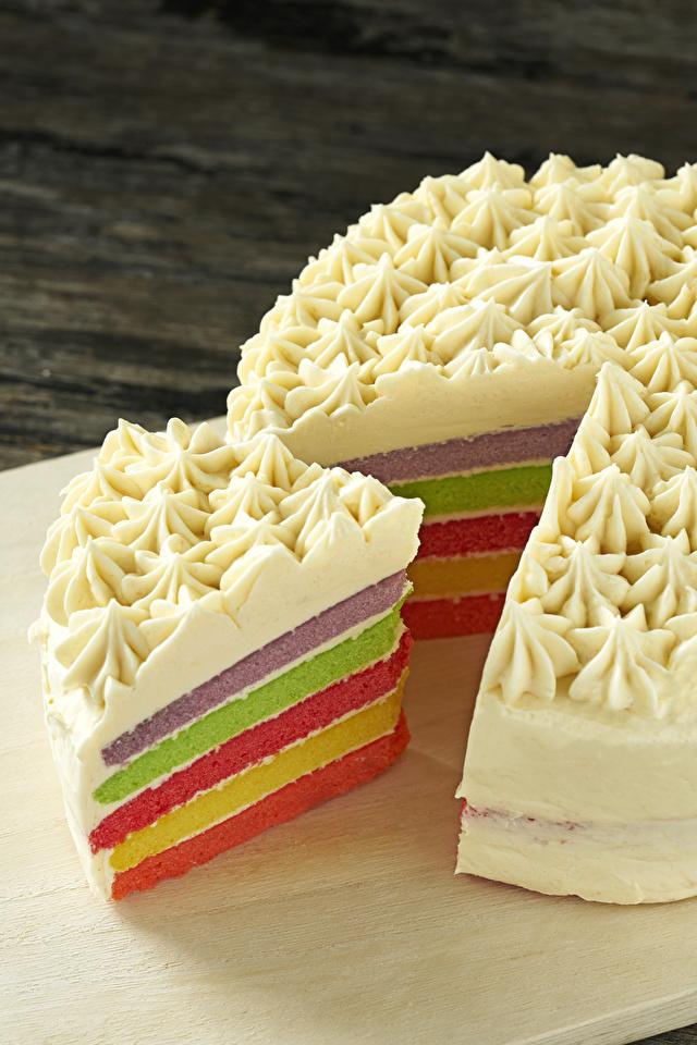 Картинки Торты кусочки Продукты питания сладкая еда 640x960 для мобильного телефона часть Кусок кусочек Еда Пища Сладости