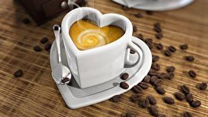 Фотографии Кофе Капучино Чашке Серце Зерна Ложки Продукты питания