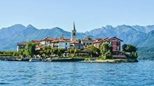 Обои для рабочего стола Италия Гора Остров Озеро Дома Альпы Lake Maggiore, Pescatori Island Природа