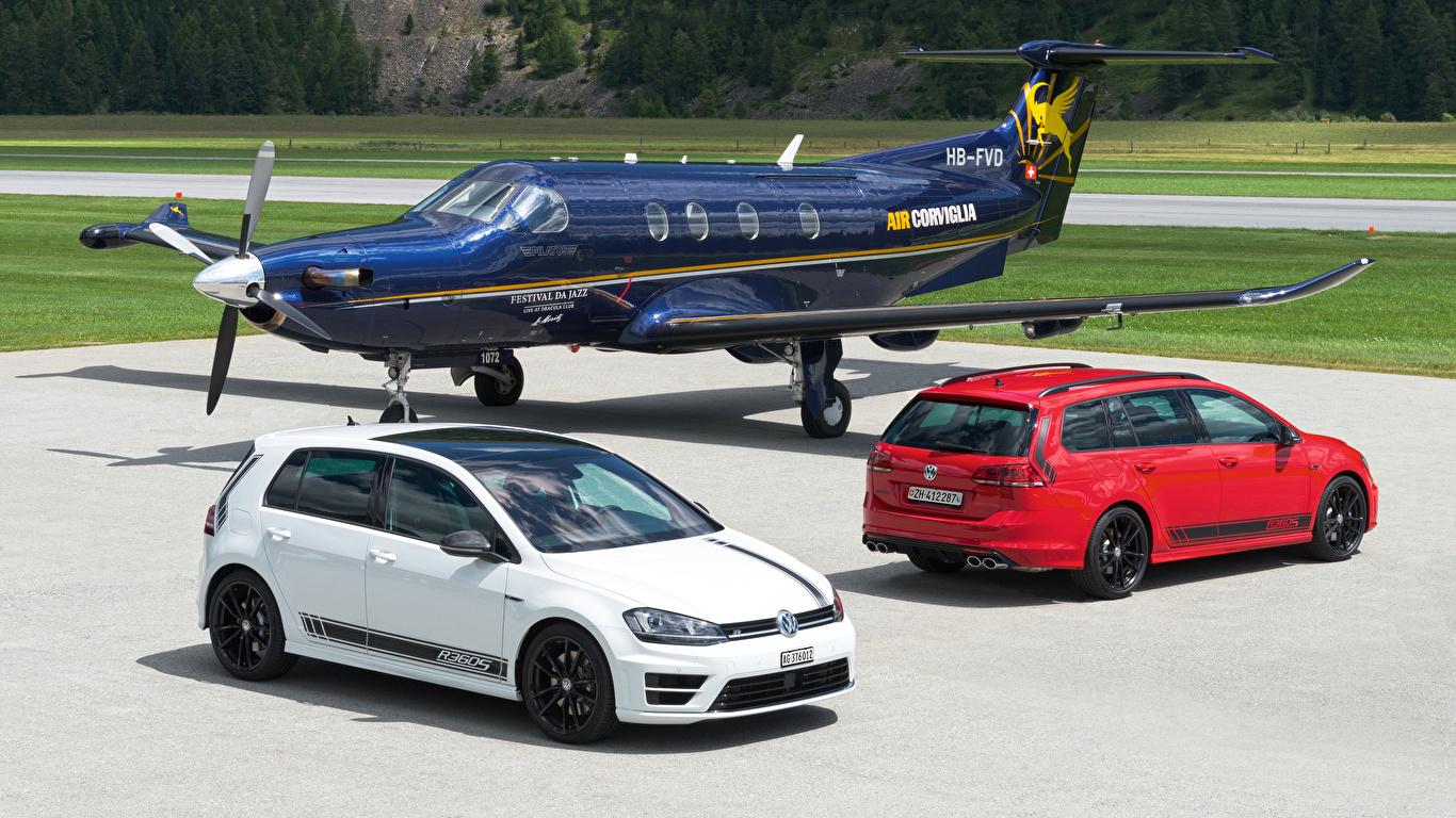 Обои для рабочего стола Volkswagen Самолеты 2012-16 Golf две машины Металлик Авиация 1366x768 Фольксваген 2 два Двое вдвоем авто машина автомобиль Автомобили
