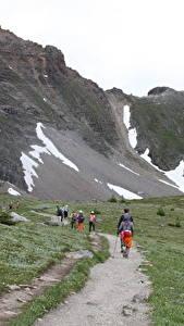 Фотографии Канада Парки Горы Тропинка Трава Гуляет Банф