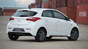Фотографии Hyundai Белый Металлик HB20 Spicy 1.0, 2015 машины